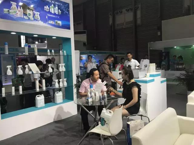 央视媒体采访荃芬招商总监