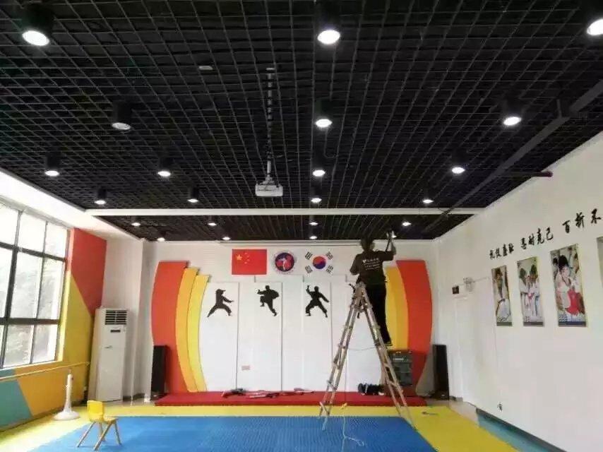 湖南星童天地文化艺术中心顶面施工