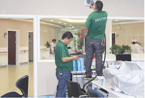 深圳南山第六人民医院顶面喷涂施工